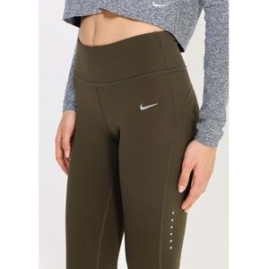 Nike Power Epic Lux Tights in Olive Green Sz. Med